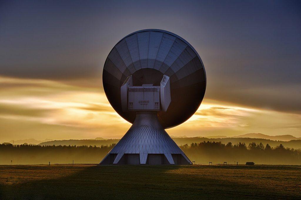 Thuraya satelliittipuhelin